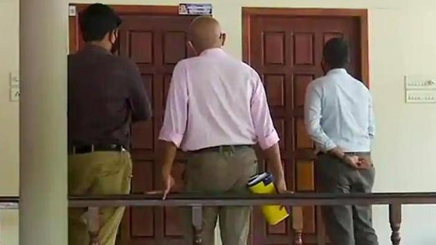 The Customs Department grilled chief minister Pinarayi Vijayan's former principal secretary M Sivasankar for nine long hours.(ANI)