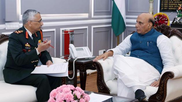 New Delhi, Jan 13 (ANI): Defence Minister Rajnath Singh with chief of the Army Staff General Manoj Mukund Naravane during a meeting in New Delhi on Monday. (ANI photo)