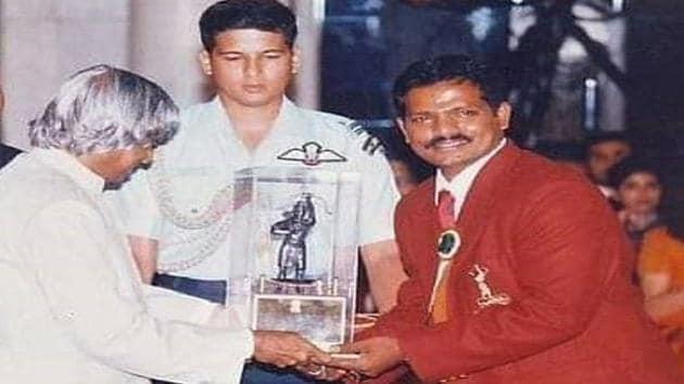 In 2002, Ramesh Tikaram won the Arjuna award.(Image credit: Kiren Rijiju Twitter handle))