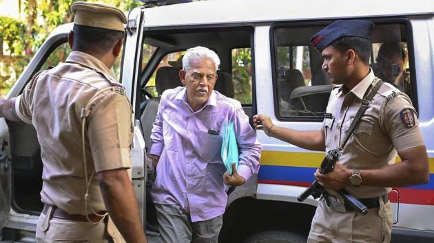 Activist, writer and poet P Varavara Rao, arrested in connection with Elgar Parishad case at Lashkar Police Station in Pune on November 18, 2018.(PTI)