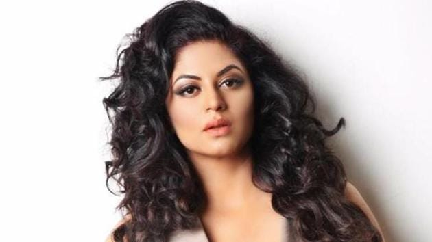 Actor Kavita Kaushik points that besides the health crisis the nation facing, one can't overlook the financial crisis that many are going through, especially daily wager earners.