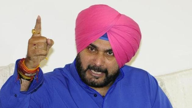Navjot Singh Sidhu during a press conference 2 in Chandigarh.(Anil Dayal/HT File Photo)