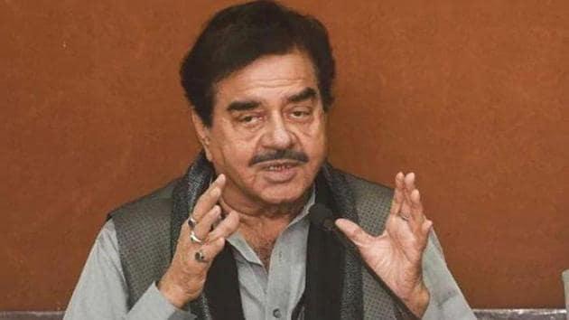 Shatrughan Sinha has extended support to Kangana Ranaut.