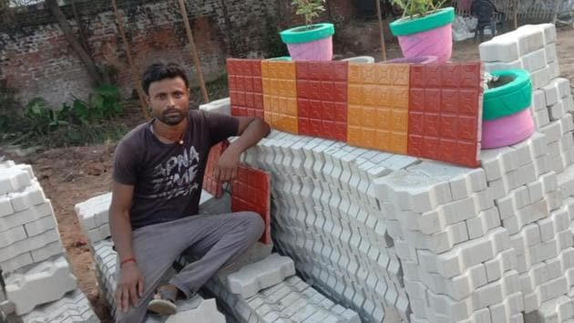 The migrant workers earlier used to work in a manufacturing unit in Srinagar.(Sourced Photo)