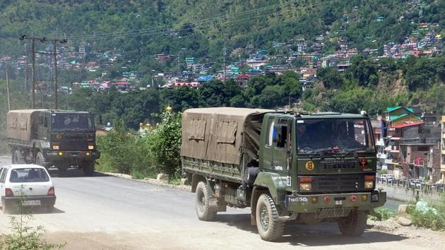 Army vehicles leaving for Leh with military contingents for troops deployed in Ladakh on the Manali-Leh route during the ongoing dispute on the India-China border, in Kullu on Thursday.(ANI)