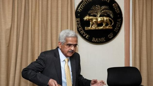 The Reserve Bank of India (RBI) Governor Shaktikanta Das arrives at a news conference after a monetary policy review in Mumbai.(REUTERS)