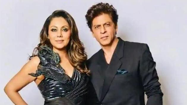 Shah Rukh Khan and Gauri Khan pose together.