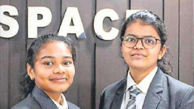 Radhika Lakhani Prafulbhahas, left, and Vaidehi Vekariya Sanjaybhai, who are Class 10 students, have jointly discovered an asteroid.(PTI)