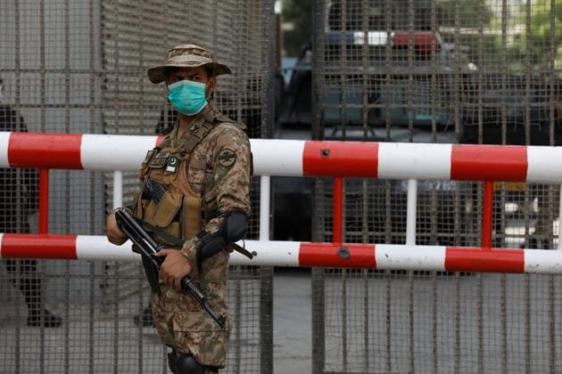 Pakistan Army soldier stands guard.(REUTERS File/For Representative Purposes Only)