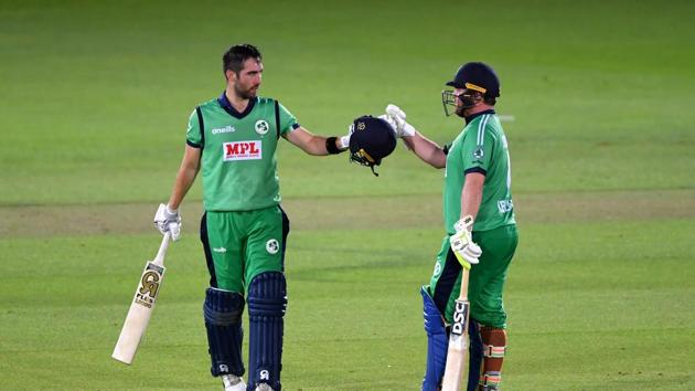 Ireland's Andy Balbirnie with Paul Stirling (R)(REUTERS)