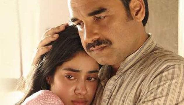 Gunjan Saxena stars Janhvi Kapoor with Pankaj Tripathi.