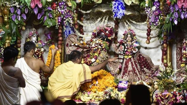 In the face of the Covid-19 pandemic and the need for social distancing , temples plan to live stream Krishna Janmashtami celebrations this year.(SUSHIL KUMAR/HT PHOTO)