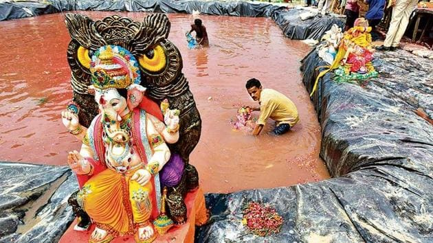 Idol immersion during Ganesh Chaturthi last year. This year, the festivities are expected to start on August 22.(Raj K Raj/HT Archive)