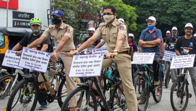Pune Police officers on bicycles as part of the initiative.(Twitter/@PuneCityPolice)