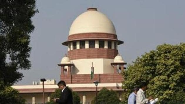 The apex court in November 2009, had issued a contempt notice to Bhushan and Tejpal for allegedly casting aspersions on some sitting and former top court judges in an interview to a news magazine.(Burhaan Kinu/HT PHOTO)