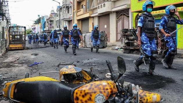 The police have detained till date nearly 370 people for the Bengaluru riots.(AFP PHOTO.)
