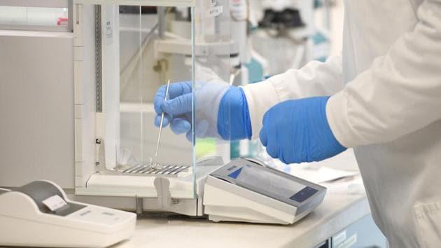 A chemist works at AstraZeneca's headquarters in Sydney, Australia.(Reuters File Photo)