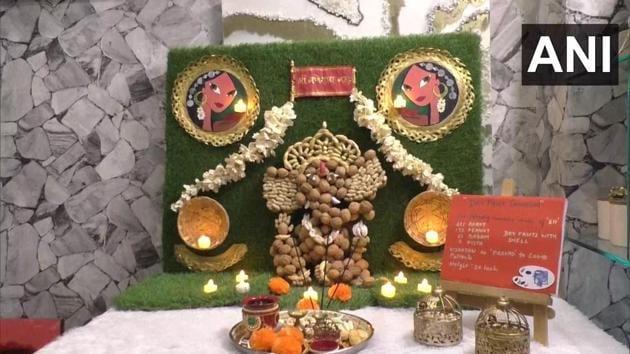 Ganesh Chaturthi 2020: Idol made using dry fruit by Surat doctor.(Twitter/ANI)