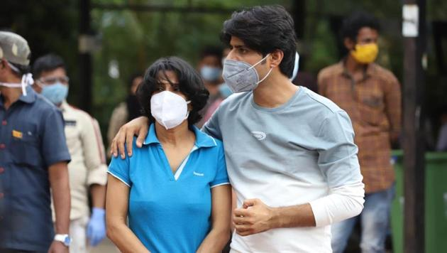 Sushant Singh Rajput's sister with Sandip Ssingh on the day of the actor's death.