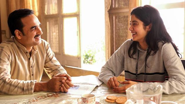 Janhvi Kapoor and Pankaj Tripathi in a still from Gunjan Saxena: The Kargil Girl.