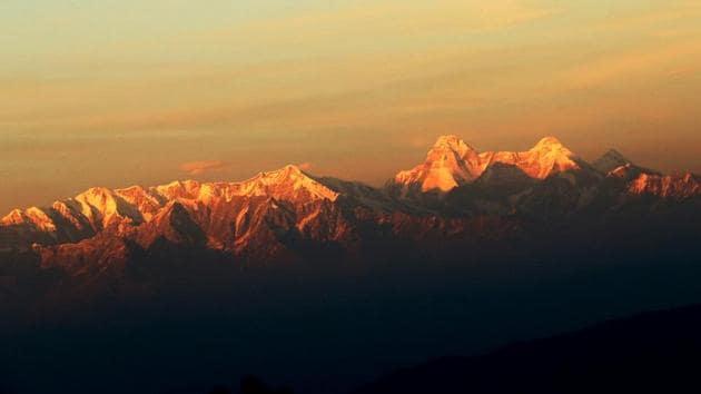 Nanda Devi peak in Uttarakhand was subject of a research on the impact of climate change.(Raajiv Kala/HT Photo)