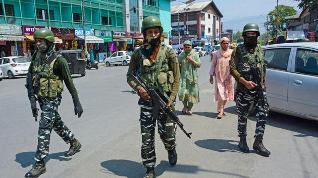 Security personnel patrol Lal Chowk after a terrorist attack in Baramulla district on August 17.(PTI)