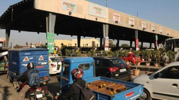 The Centre mandated that all lanes of toll plazas on national highways be declared FASTag lanes by December 15 to reduce bottlenecks along the national highways. (Photo by Parveen Kumar/Hindustan Times)