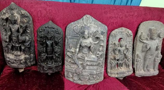 Some of the stone idols that were among the antiques confiscated by the customs officials from the Indo-Bangla border.(HT Photo)