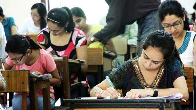 The university said it would conduct the second phase of open-book exams for the students who did not appear in the first phase held from August 10 to August 31.(HT Archive)