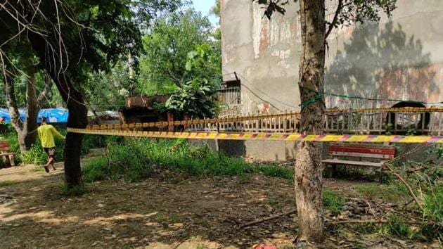 The park where the murder took place is located behind a police post at Loha Mandi in Naraina.(SOURCED/HT PHOTO)