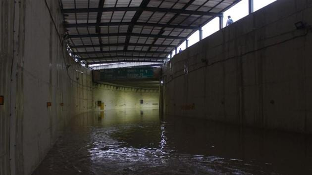 Rajiv Chowk underpass flooded due to rains.(HT PHOTO)
