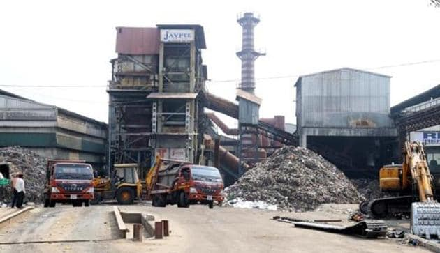 MC had taken over the waste processing plant from Jaypee Group on June 19 and has been running it since.(HT File Photo)