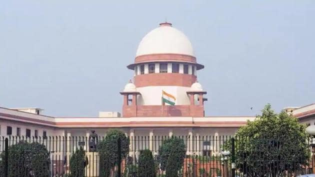 Justices Arun Mishra, BR Gavai and Krishna Murari say that after perusing the report filed by the CBI, they are satisfied that substantial investigation has been done.(HT FILE)