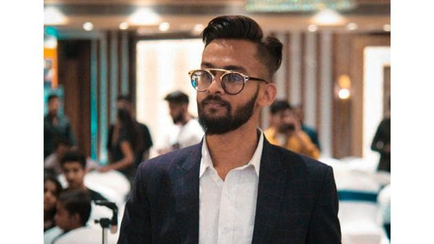 "A step further in this direction, he is also credited with starting Kanpur's first community of budding bloggers and digital entrepreneurs called ""Kanpur Young Entrepreneurs (KYE)."