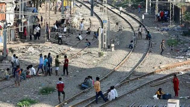 HT on Thursday visited other slums – in Azadpur, Vihar, Shakur Basti, Mayapuri and Anand Parbat -- that are all located alongside railway tracks and densely populated, with open drains and narrow alleys .(File photo for representation)