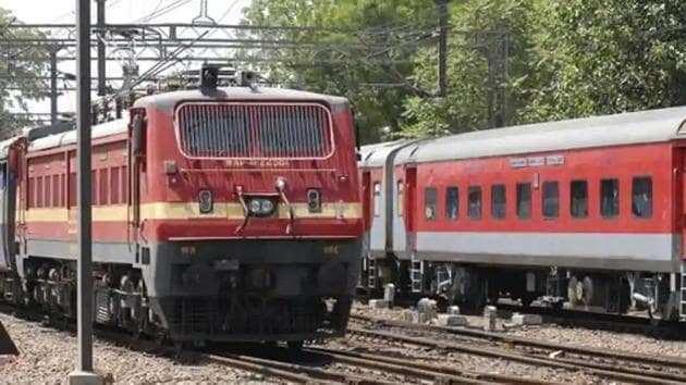 The train from Solan to Shimla carried two candidates who were appearing for the National Defence Academy (NDA) exams today.(HT file)