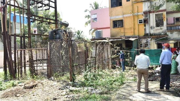 For all the trappings of a crime scene at the Indryaninagar in Bhosari site, the fact is, on Monday, no FIR had been registered as yet.(HT PHOTO)