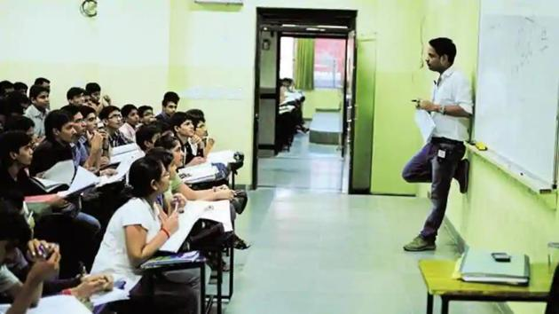 In Lucknow, there are more than 700 coaching centres.(HT file)