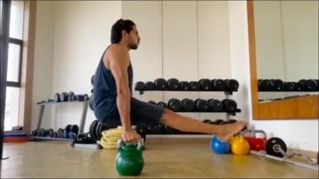 Sidharth Malhotra's balancing act in latest fitness video makes jaws drop(Instagram/sidmalhotra)
