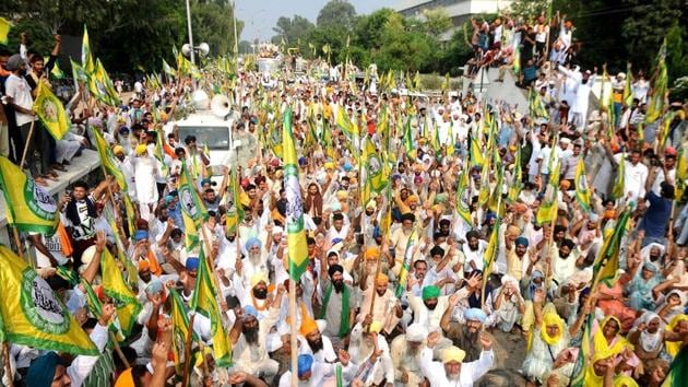 Members of various farmers' organisations hold a protest over agriculture-related ordinances in Patiala, Punjab on September 19, 2020.(HT Photo)