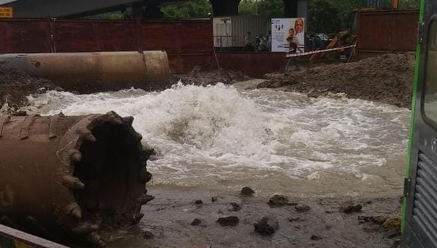 Officials say this is one of the crucial pipelines connecting the entire city. So water supply will be majorly affected across Thane.(Sourced)