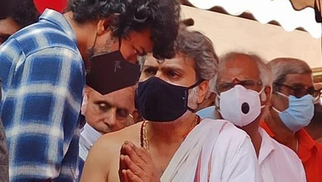 Actor Vijay at SP Balasubrahmanyam's funeral.