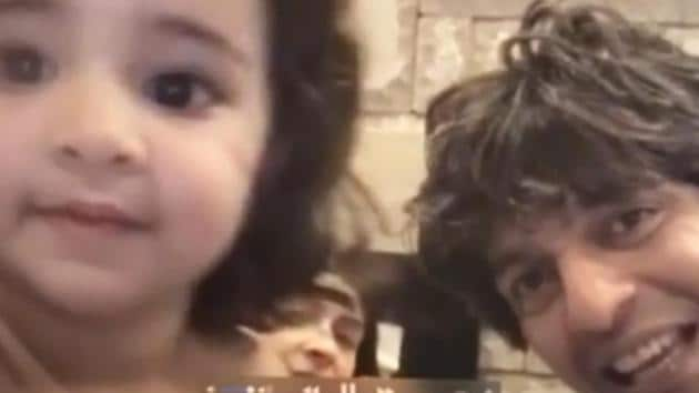 Ananya Panday posted a cute video with her father, Chunky Panday.