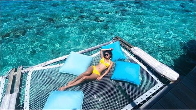 Mouni Roy's bikini picture from the Maldives makes fans go weak in the knees(Instagram/imouniroy)