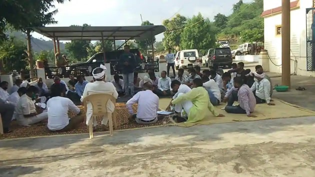 Violence erupted across districts on Thursday when the candidates of teachers' recruitment examination-2018 blocked Udaipur-Ahmedabad highway, pelted stones at the police, damaged properties and torched vehicles.(JT Photo)