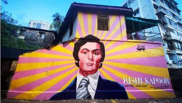 A street art on Rishi Kapoor.
