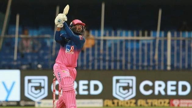 Rahul Tewatia in action in the IPL match between Rajasthan Royals and Kings XI Punjab.(Twitter/Rajasthan Royals)