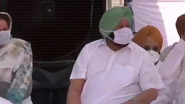 Punjab CM Captain Amarinder Singh held a sit-in protest against the farm bills(ANI Photo)