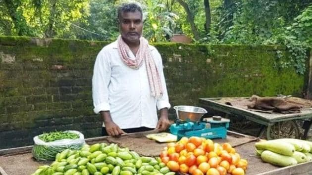 One-time Balika Vadhu director Ram Vriksha Gaur has returned to his family business, selling vegetables.