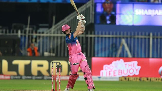IPL 2020: Steve Smith takes the aerial route(Rajasthan Royals/Twitter)
